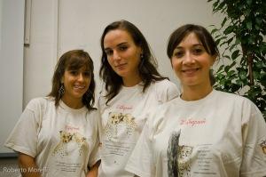 Elisabetta, Camilla e Valeria con le magliette del CCF/ASN